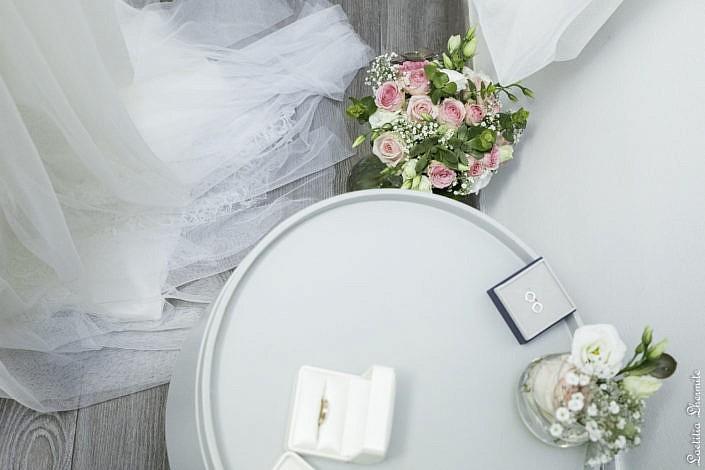 Preparatifs mariage alliance et bouquet
